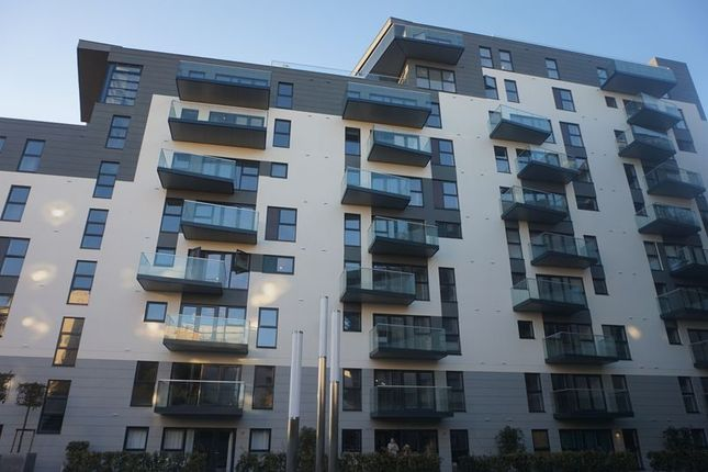 Thumbnail Flat to rent in Westmount Road, St. Helier, Jersey