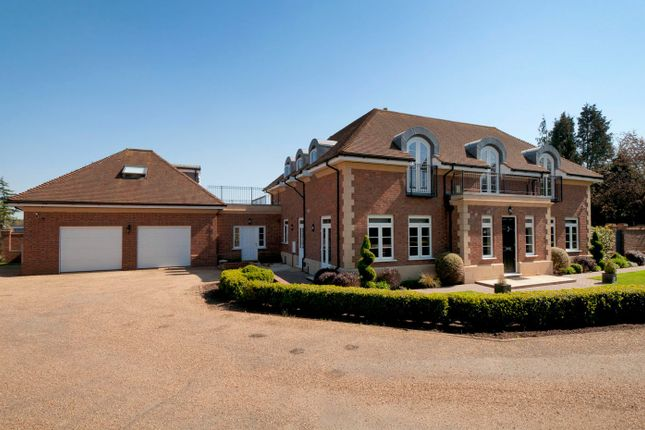 Thumbnail Detached house for sale in Manor Rise, Bearsted, Maidstone