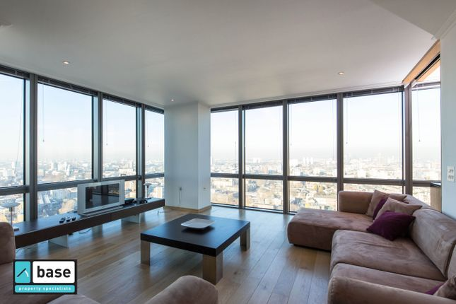 Thumbnail Flat to rent in No 1 West India Quay, 26 Hertsmere Road, Docklands