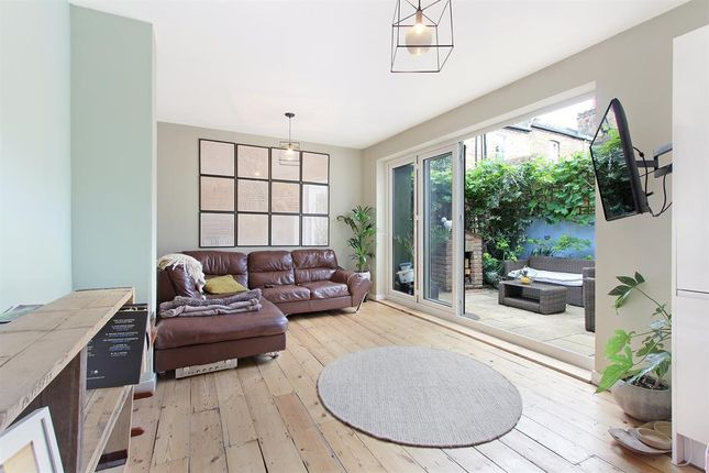 Thumbnail Maisonette to rent in Crofton Road, London