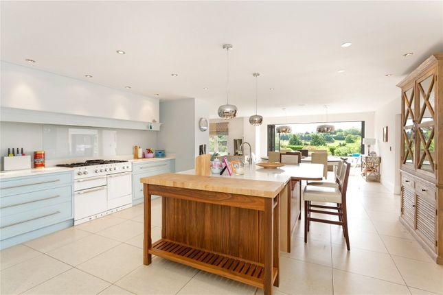 Thumbnail Detached house for sale in Grubwood Lane, Cookham, Berkshire