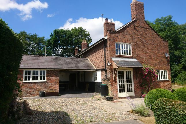 Thumbnail Farmhouse to rent in Mill House Farm, London Road, Allostock, Knutsford