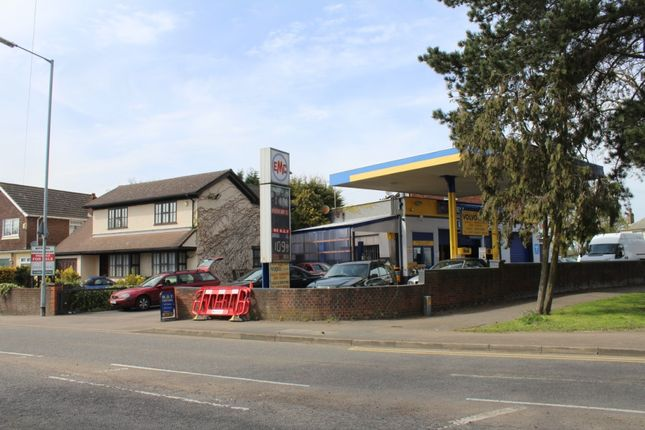 Thumbnail Detached house for sale in Cuffley Hill, Goffs Oak, Waltham Cross