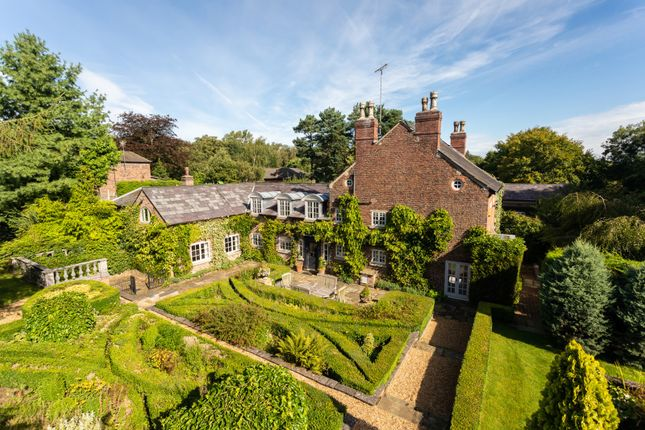 Thumbnail Detached house to rent in Macclesfield Road, Prestbury, Macclesfield