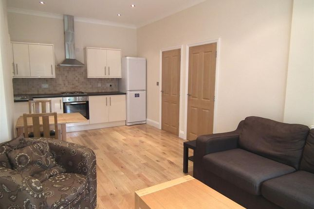 Flat to rent in Anson Road, London