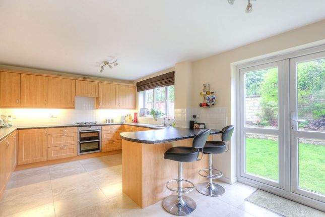 Thumbnail Detached house for sale in Mayflower Close, Glossop