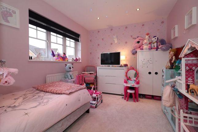 Bedroom 3 of Sanquhar Road, Glasgow G53