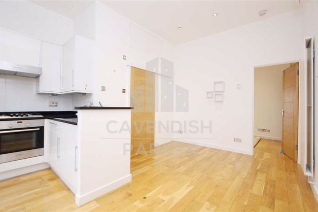 1 bed flat to rent in Barnsbury Square, Islington, London N1