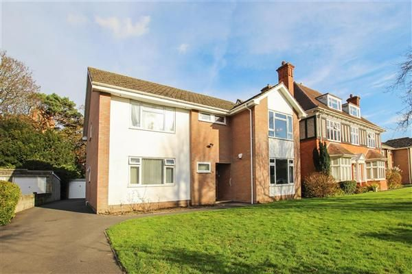 Thumbnail Flat for sale in Browning Avenue, Pokesdown, Bournemouth