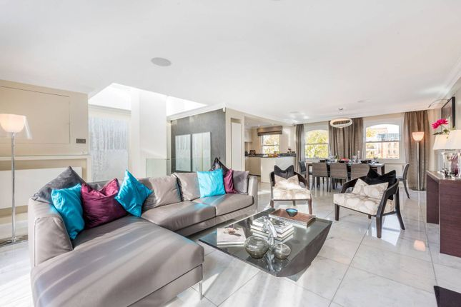 Thumbnail Flat to rent in Beaufort Gardens, Knightsbridge
