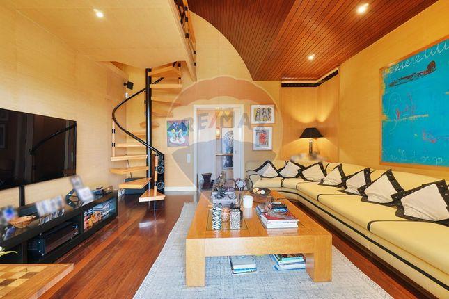 Thumbnail Apartment for sale in R. Prof. Manuel Cavaleiro De Ferreira 4, 1600 Lisboa, Portugal