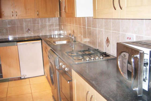 Thumbnail Flat to rent in East Rochester Way, Sidcup