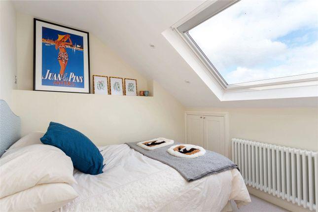 Bedroom of Tonsley Road, London SW18