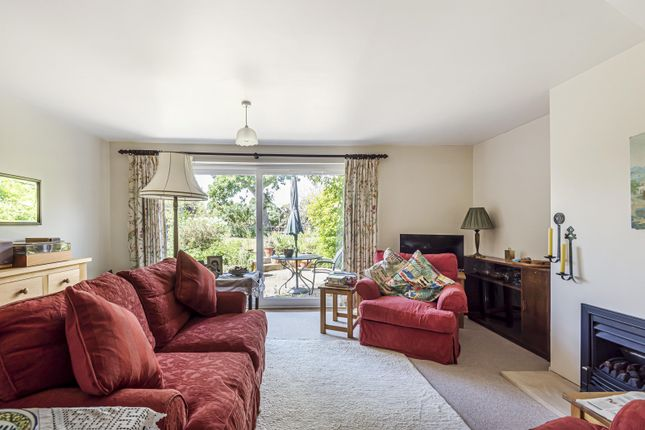 Living Room of St. Marys Close, Henley-On-Thames RG9