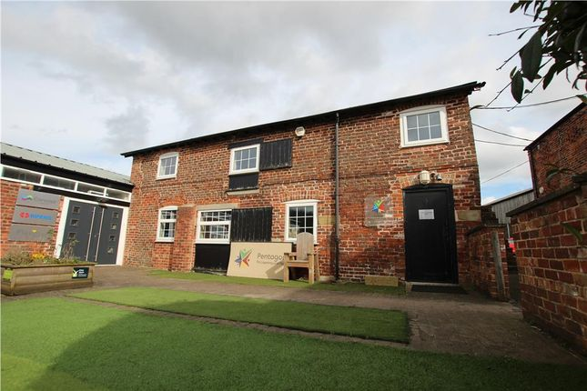 Thumbnail Office to let in First Floor Office Suite, Tollbar, Roadside Court, Alderley Road, Chelford, Macclesfield, Cheshire