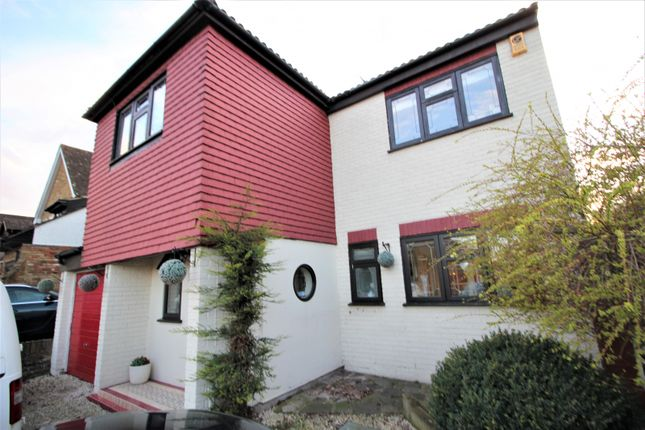 Thumbnail Detached house for sale in Barons Way, Langdon Hills, Basildon