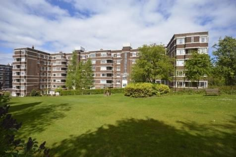 Thumbnail Flat to rent in Kelvin Court, Anniesland, Glasgow