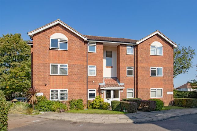 Thumbnail Flat for sale in Catherine Court, Chase Road, Oakwood