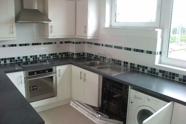 2 bed flat to rent in Cubitt Way, Oundle Road, Peterborough PE2
