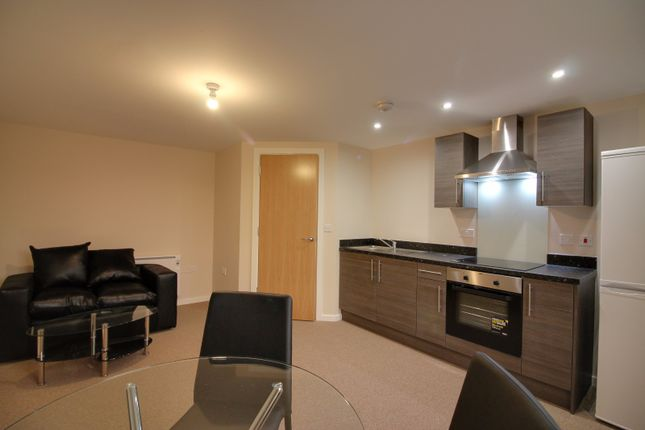 1 bed flat to rent in Roberts House, 80 Manchester Road, Altrincham, Cheshire