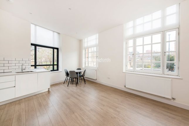Thumbnail Flat to rent in Cambridge House, Mayes Road, Wood Green