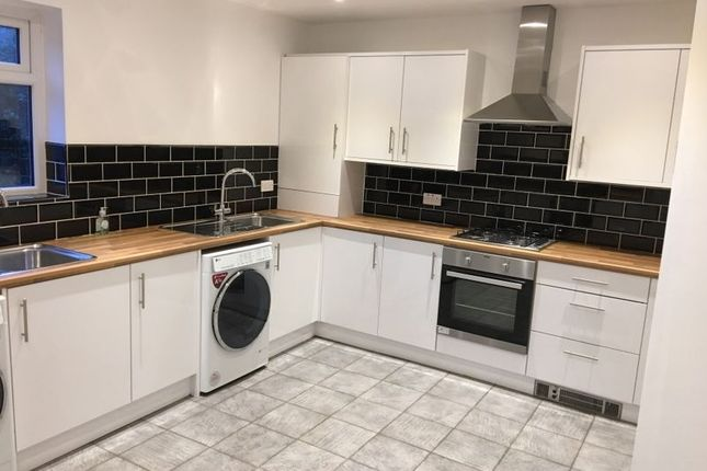Thumbnail Flat to rent in Halkyn Avenue, Liverpool