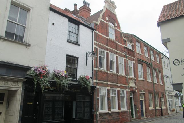 Thumbnail Shared accommodation to rent in Scale Lane, Hull