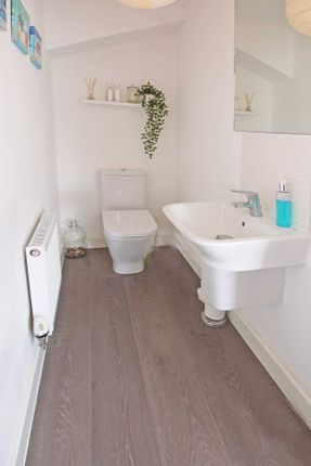 Cloakroom of Old Quarry Drive, Exminster, Exeter EX6