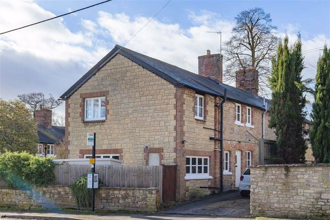 Thumbnail Cottage for sale in Manor Road, Woodstock