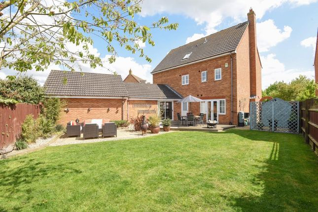 Thumbnail Detached house for sale in Cotswolds Way, Calvert Green