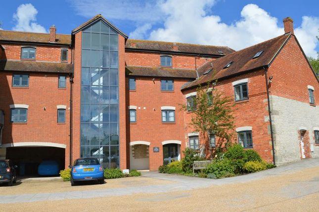 Thumbnail Flat for sale in North Street, Mere, Warminster