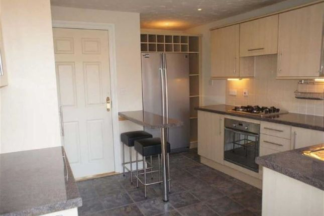 Thumbnail Terraced house for sale in Osprey, Colindale