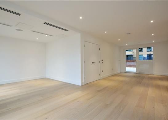 Thumbnail Flat to rent in Central Avenue, Fulham Riverside, London