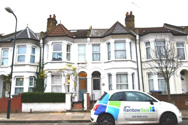 3 bed flat for sale in Churchill Road, London