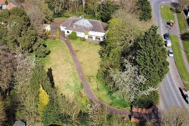 4 bed detached bungalow for sale in Hallfields Lane, Rothley, Leicester LE7