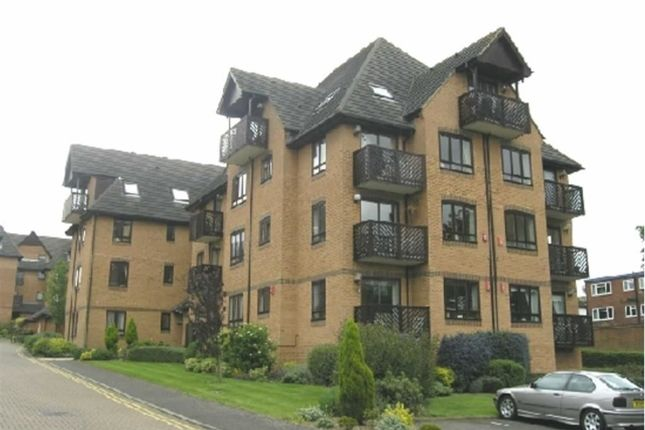 Thumbnail Flat for sale in Aragon Lodge, Buckhurst Hill, Essex