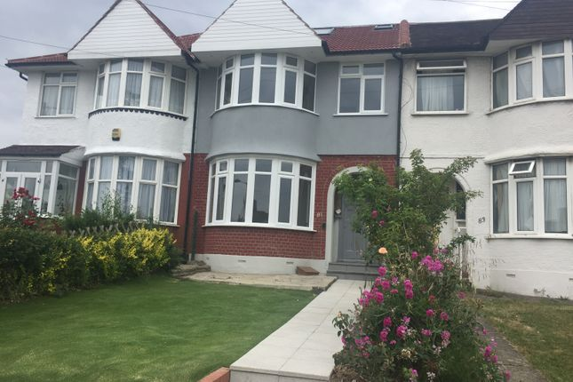 5 bed terraced house to rent in Hampden Way, Southgate
