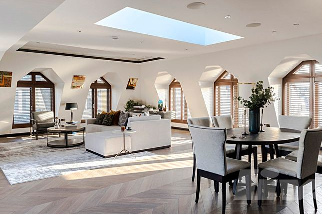 Thumbnail Penthouse to rent in Golden Square, Soho