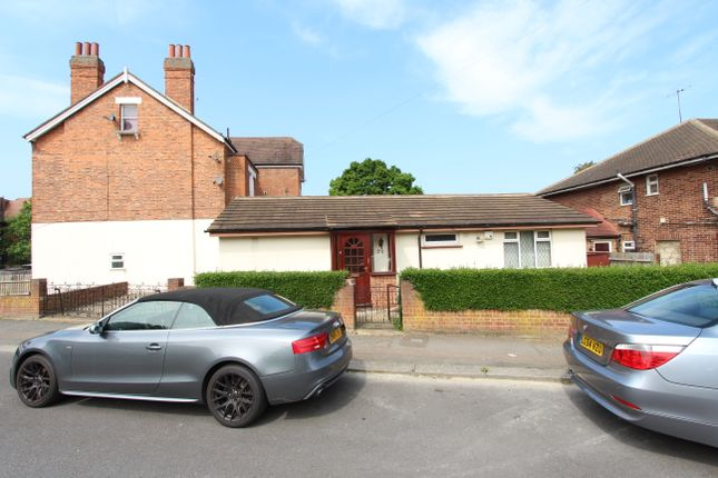Thumbnail Detached bungalow for sale in Grasmere Road, Streatham