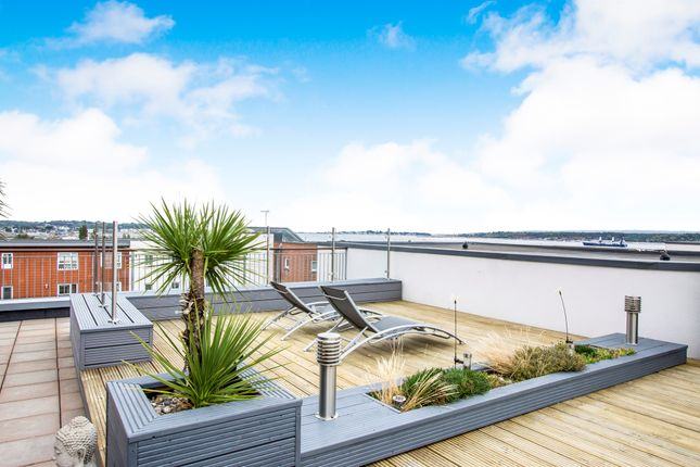Thumbnail Penthouse for sale in Avenel Way, Poole