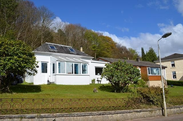 Thumbnail Cottage for sale in Shore Road, Tighnabruaich, Argyll And Bute