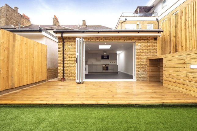 2 bed flat for sale in Upper Tooting Road, Tooting Bec, London SW17
