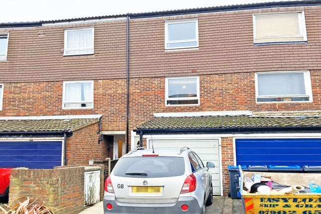 3 bed property for sale in Flanders Close, Tooting, Tooting SW17