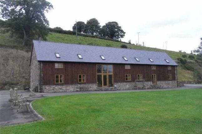 Thumbnail Barn conversion to rent in Llanfyllin