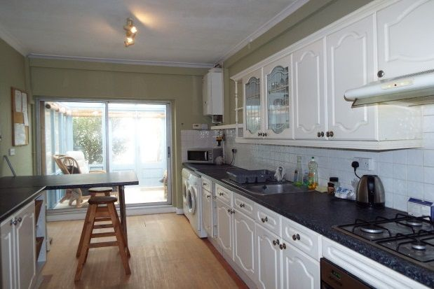 Thumbnail Property to rent in Frensham Road, Southsea