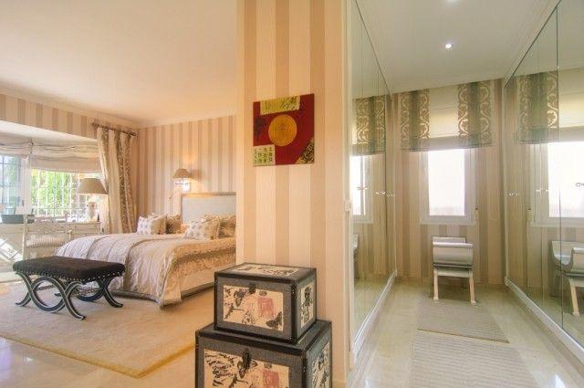 15 Master Bedroom Suite S