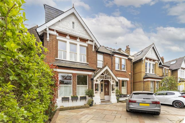 Detached house to rent in Hamilton Road, Ealing