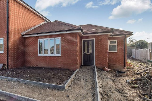Thumbnail Bungalow to rent in Middletune Mews, Middletune Avenue, Sittingbourne