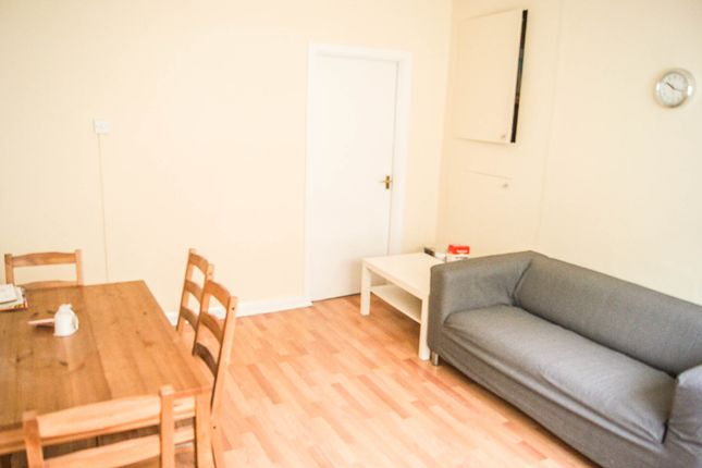Thumbnail Flat to rent in Neckinger Estate, Abbey Street, London