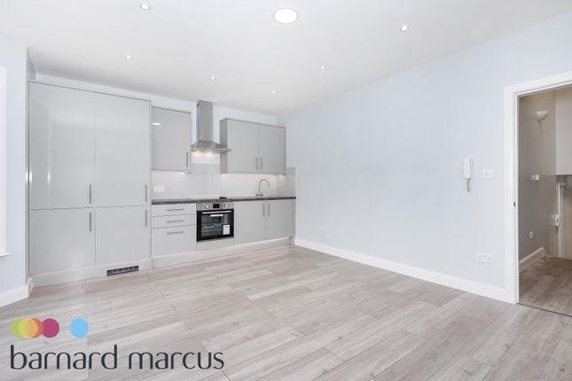 Thumbnail Flat to rent in Burnfoot Avenue, London